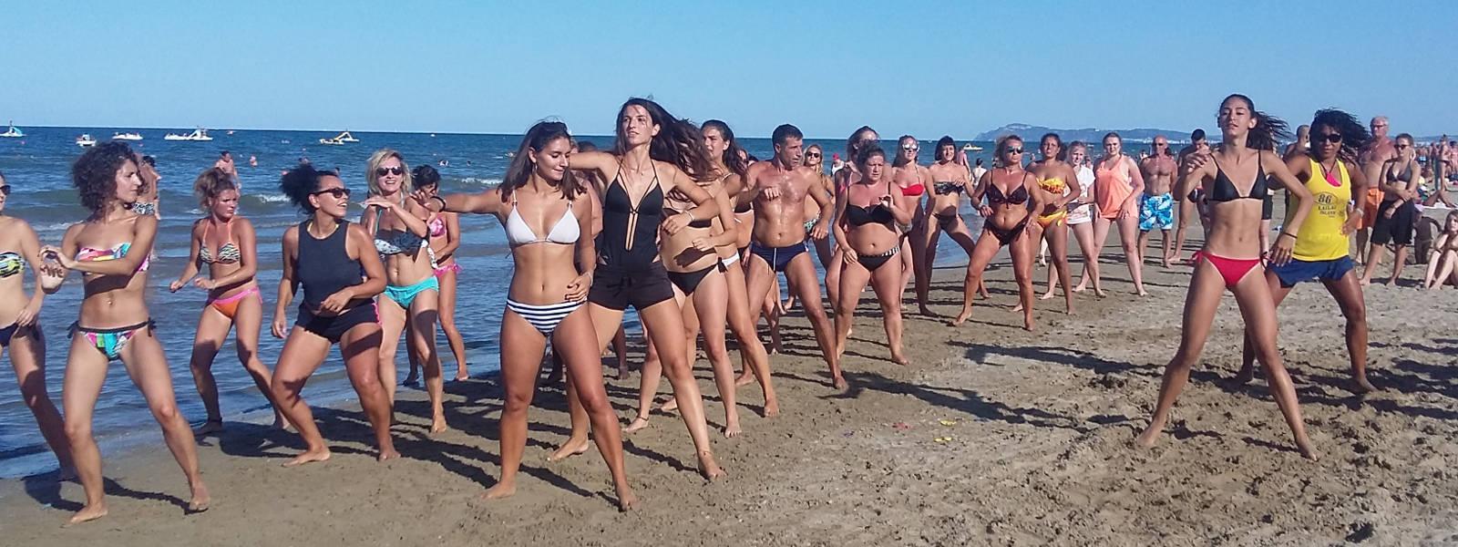 Animazione in Spiaggia Rimini Hotel Ombretta Mare